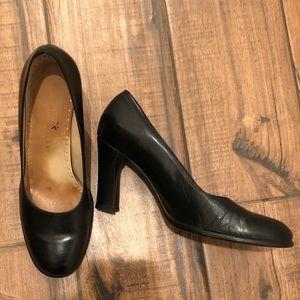 Antonio Melani Black Leather Pumps 8